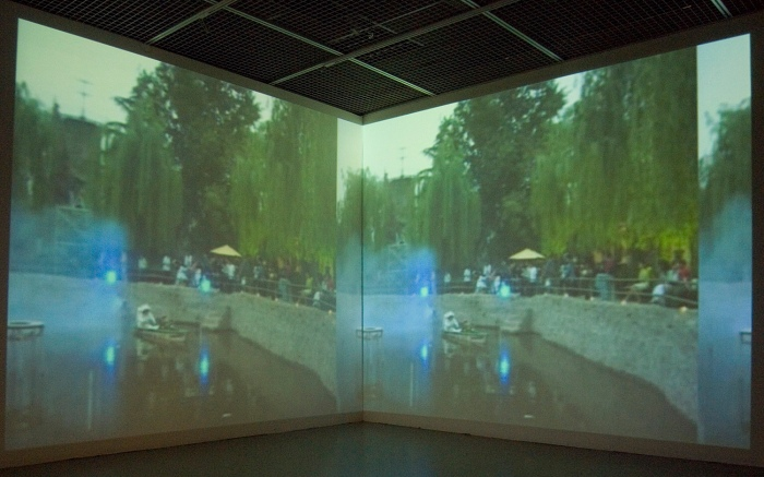 《南海油氣專線1號 東站-MOCA》藝術家2006年的錄像作品王邁(台灣當代藝術館提供)